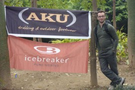 Claudio Torresan con AKU in viaggio attraverso il Vietnam.