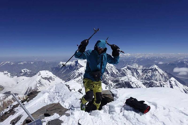 Con il sucesso dell'ascensione del Communism Peak Cala conquista la prestigiosa onorificenza della Federazione Alpinistica Russa