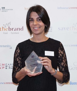 Giulia Delladio of La Sportiva receives the Save the brand internationalization award