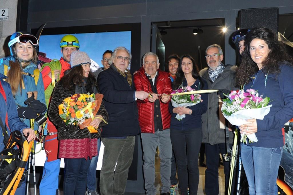 Durante l'inaugurazione ufficiale del nuovo negozio Salewa Store a Cortina © Juriba