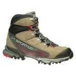 La Sportiva Nucleo GTX Surround Woman, uno scarpone da trekking ed escursionismo veloce in membrana Gore-Tex Surround.
