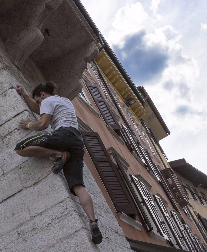 Block & Wall Trento, il raduno di urban climbing, si terrà sabato 6 maggio nel centro di Trento, sui muri attorno alla suggestiva Piazza Santa Maria Maggiore.