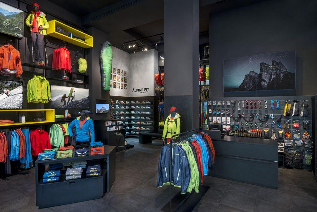 I nuovi Salewa Store in apertura oggi e domani presso Orio Center (BG) e nel centro di Padova ampliano la presenza in Veneto e Lombardia del marchio altoatesino al servizio degli appassionati di alpinismo e montagna.