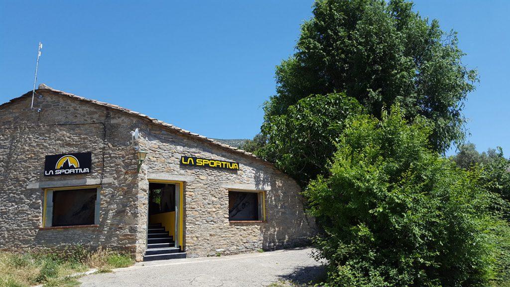 La Sportiva in Spagna: apre a Rodellar, epicentro storico dell'arrampicata in Europa, il primo store internazionale del brand Trentino.