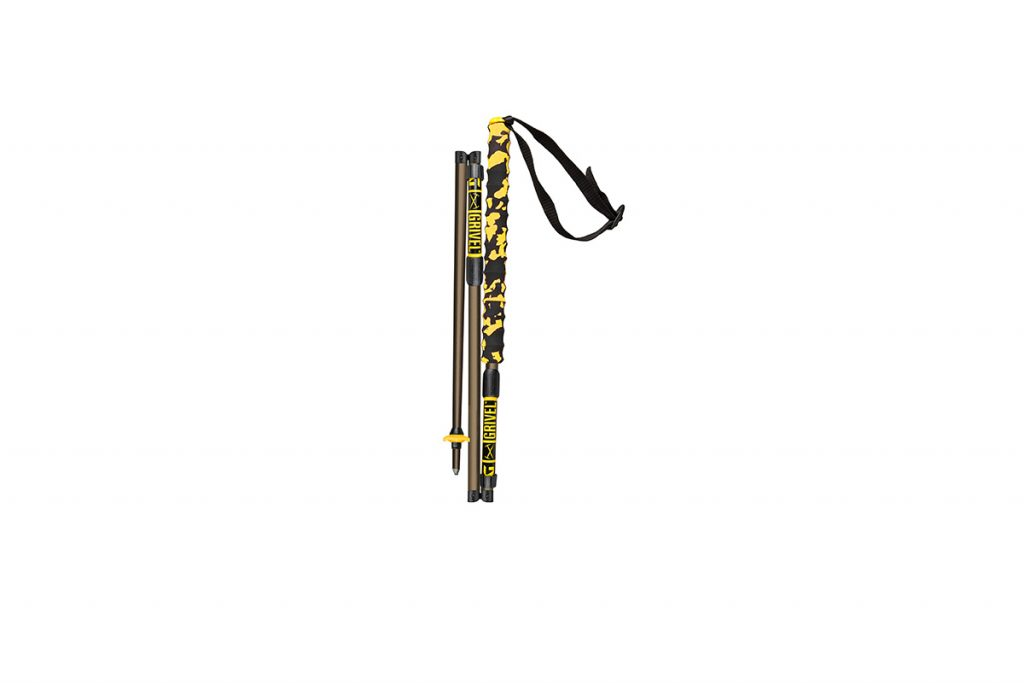 """3-section trekking poles with a new innovative foldable system (""""The Knee"""")"""