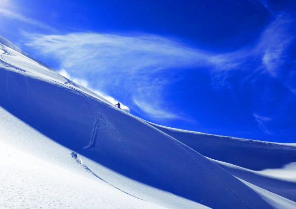 Con i nuovi scarponi da sci alpinismo di SCARPA la stagione può cominciare. Pochi sport regalano emozioni e panorami mozzafiato come lo scialpinismo.