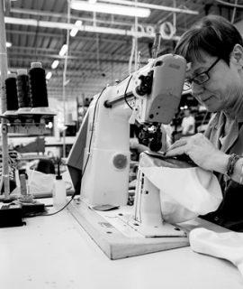 AKU è un'impresa industriale italiana di origine artigianale, specializzata da oltre trent'anni nella progettazione e produzione di calzature per la montagna di alta qualità.