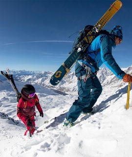Scott si prepara per la stagione invernale con nuovi sci, caschi e zaini per un inverno all'insegna dell'experience e del divertimento.