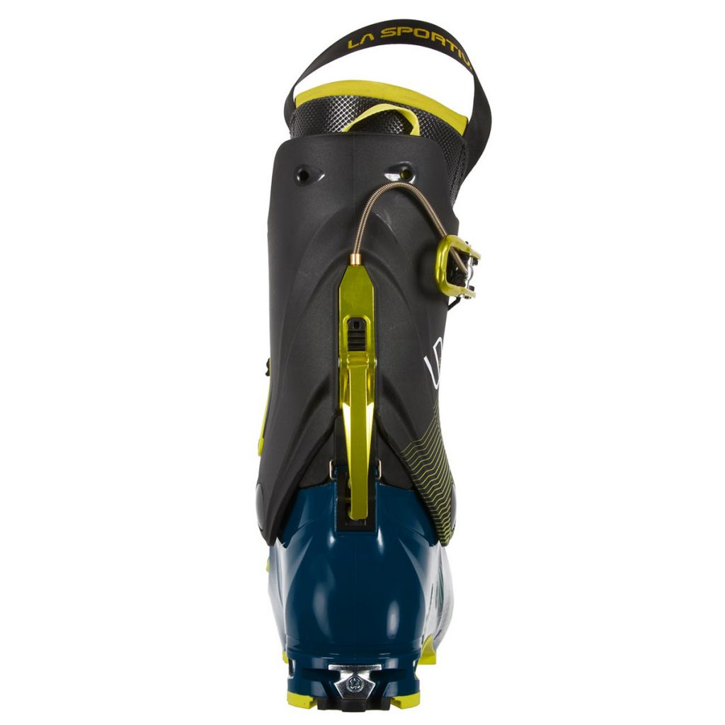 Sytron is the ski touring boot in Grilamid® reinforced in carbon designed for the evolved ski mountaineer looking for lightweight and performance for quick tours and training.