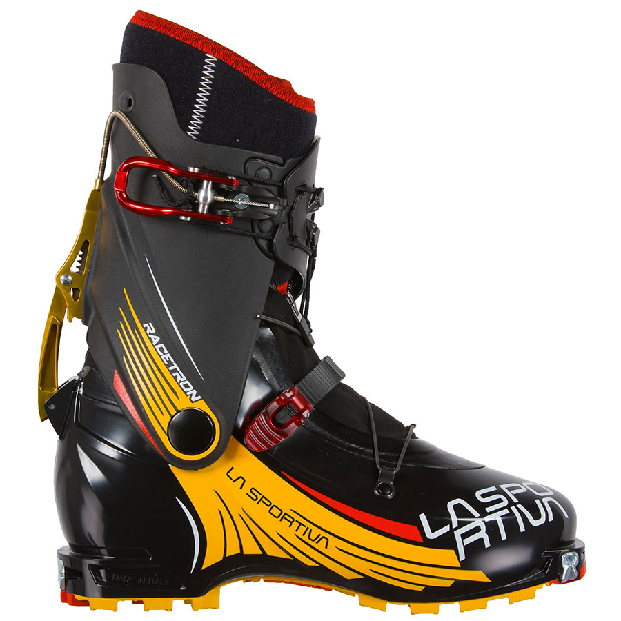 Racetron La Sportiva: a ski mountaineering boot in Grilamid® designed young athletes and newcomers to the international competition scene.