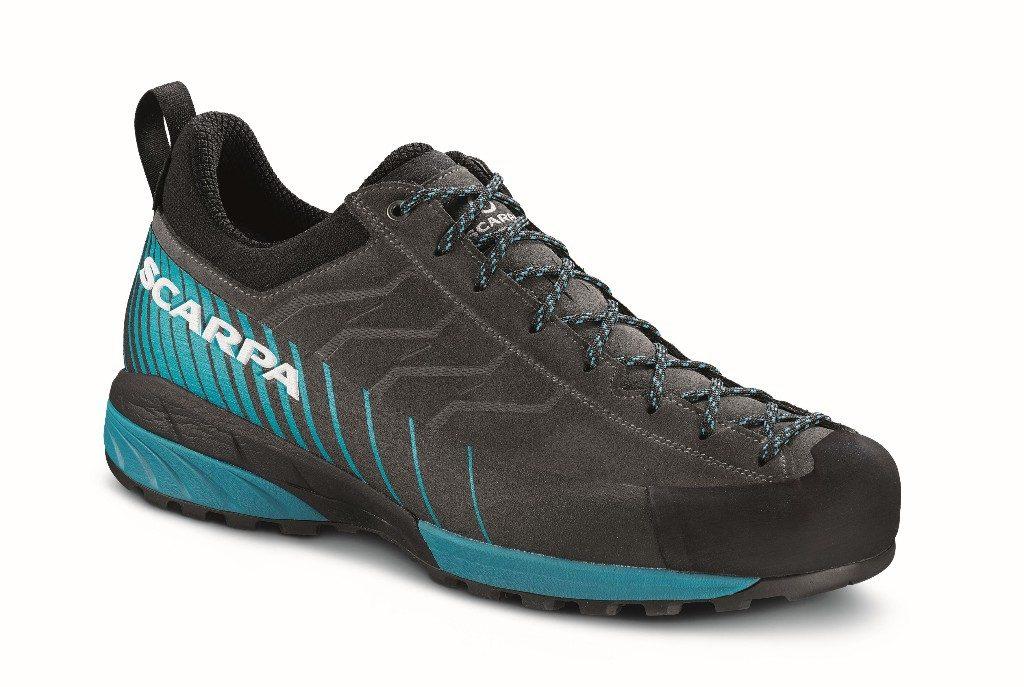Mescalito, la rivoluzionaria calzatura da approach che fin dal suo lancio ha avuto un successo mondiale, oggi è presentata anche nella versione con membrana impermeabile e traspirante Gore-Tex®.