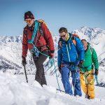 Simone Moro, Massimiliano Ossini e Lino Zani salendo il Grignone © Juri Baruffaldi