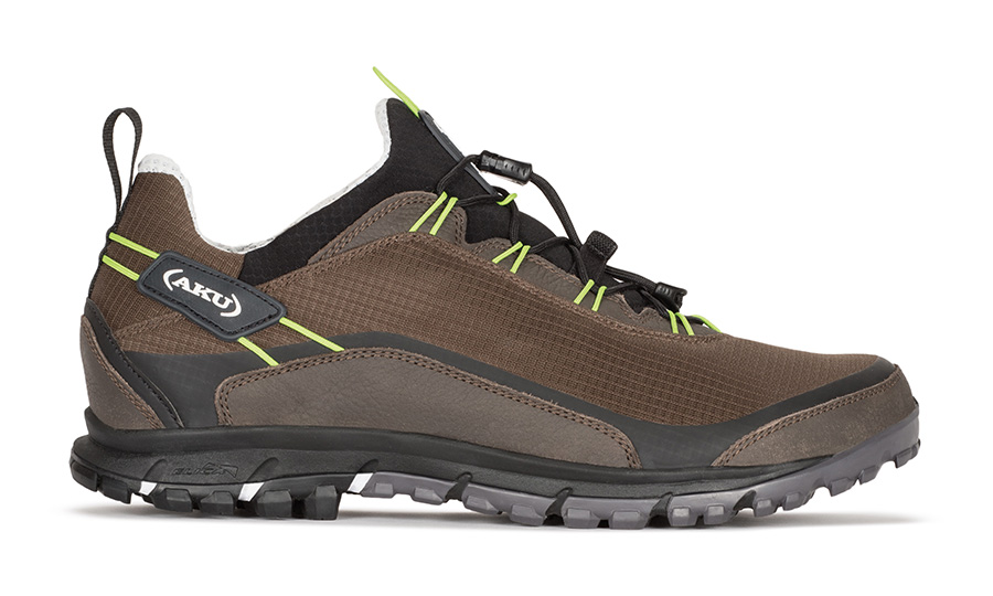 Lightweight hiking shoes, breathable for easy hiking, travel and leisure time in contact with the nature.