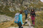 Hiking e Trekking: guida alla scelta dell'attrezzatura e dell'abbigliamento per il Mountain Hiking e Mountain Trekking. Le scarpe da montagna da trekking e hiking, gli zaini, le maglie e i pantaloni più adatti per le vostre escursioni.