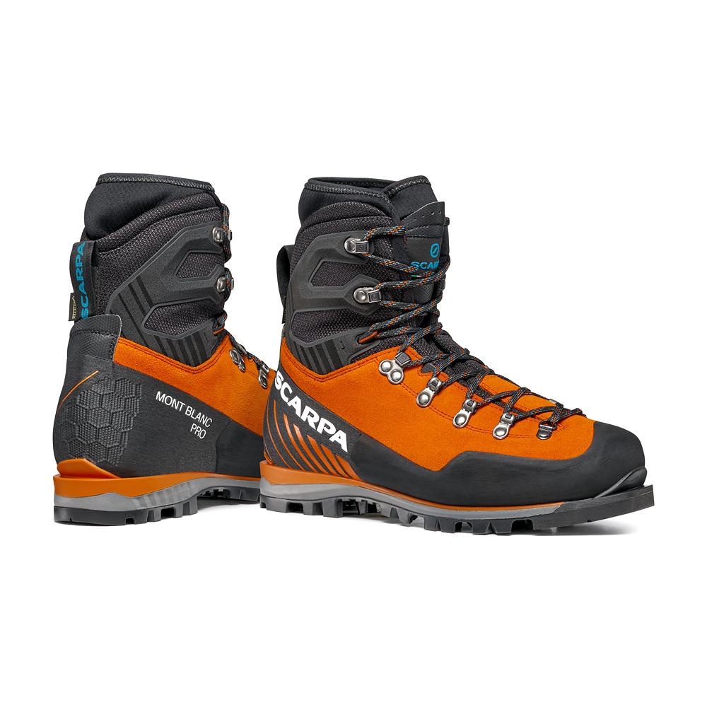 Scarponi per alpinismo Mont Blanc Pro GTX di SCARPA; alpinismo tecnico, escursionismo alpino, percorsi misti.