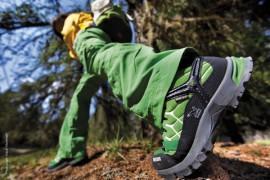 Salewa: la scarpa Junior Alp Trainer completa la collezione outdoor kids per la PE2012