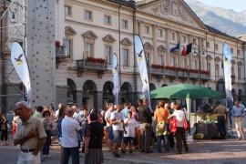 Salewa: cento climber in piazza Chanoux per celebrare il nuovo SALEWA Store di Aosta