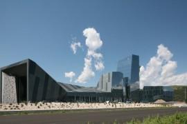 Salewa: il nuovo quartier generale del gruppo altoatesino è un'eco-impronta nello skyline di Bolzano