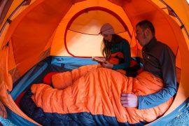 Provare i prodotti Ferrino High Lab dormendo in tenda in quota, con la sicurezza del campo montato da professionisti della montagna accanto ad un rifugio in ambiente alpino è un'occasione unica.