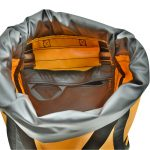 View into the climbing haulbag Omnibag by Kong