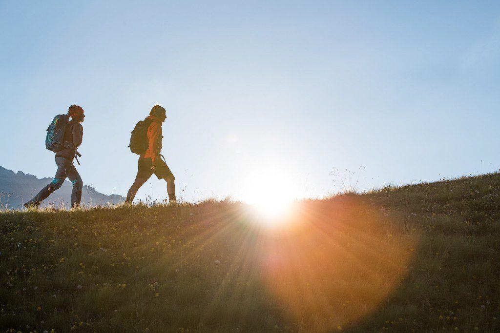 Trekking tutto l'anno e camminare veloce in montagna, con la linea ZG di SCARPA potete avventurarvi su nuovi sentieri anche con l'arrivo del freddo