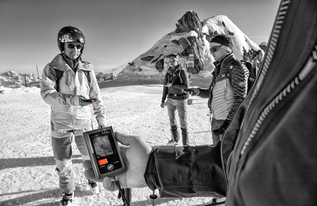 Avalanche transceiver Mammut Barryvox upgrade: increased performance as well as improved signal analysis precision for backcountry skiing