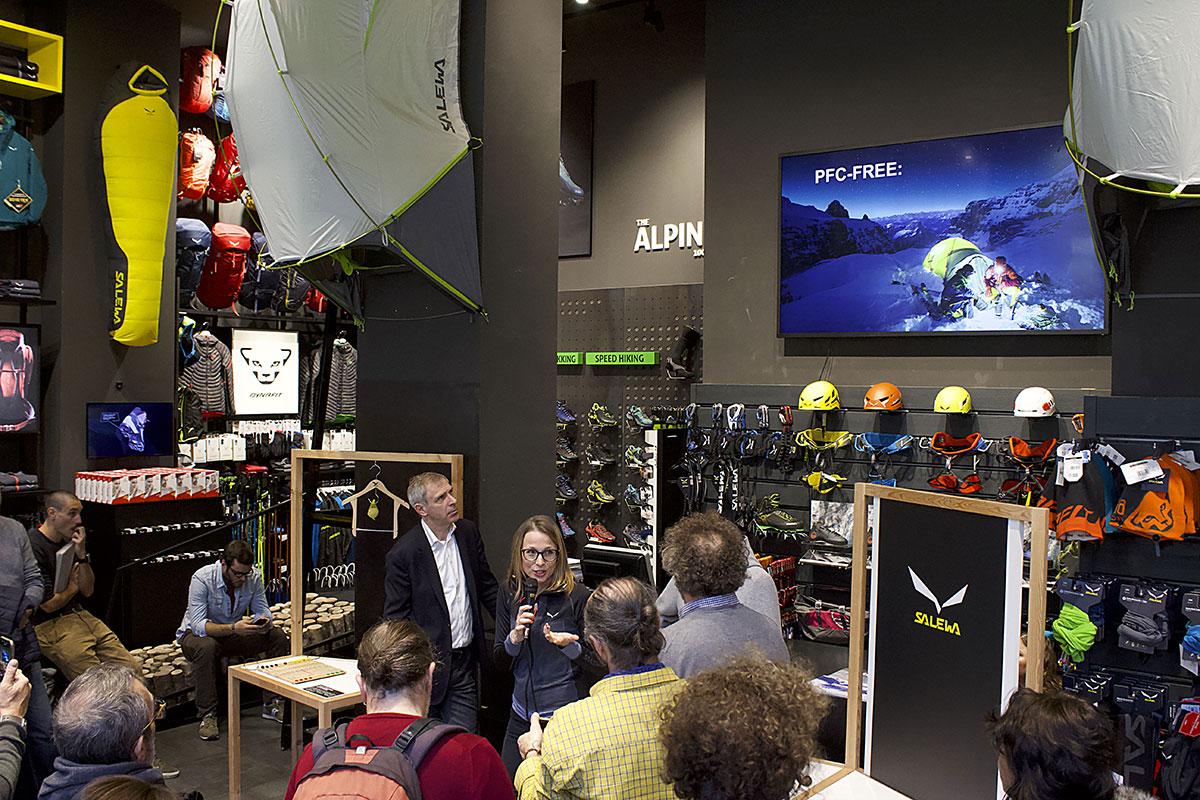 Il Gruppo Oberalp - Salewa ha presentato a Milano il Sustainability Report 2017, con 97% dei prodotti certificati da Fair Wear Foundation. Nella foto Ruth Oberrauch, membro della famiglia proprietaria del Gruppo Oberalp e sustainability manager del gruppo. Foto Damiano Sessa, Versante Sud