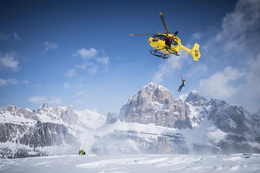 Karpos e il Soccorso Alpino e Speleologico Veneto assieme per altri 3 anni per crescere assieme la sicurezza in montagna.
