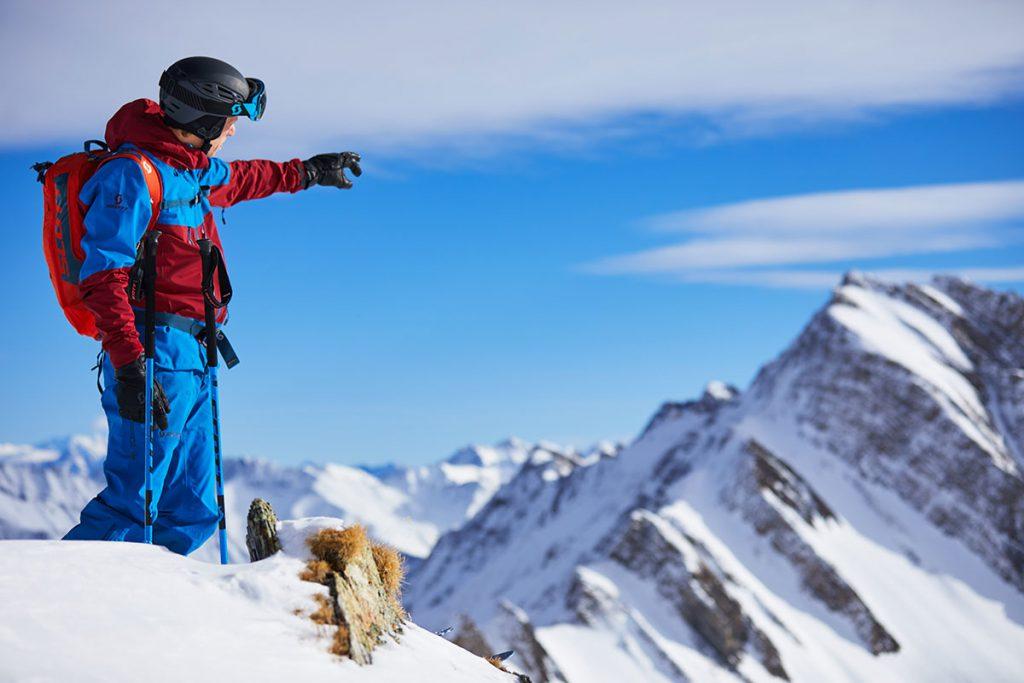 La guida alpina Luca Rolli ha un curriculum di livello: guida alpina di Courmayeur, ambassador di Scott Sports International e sciatore esperto.
