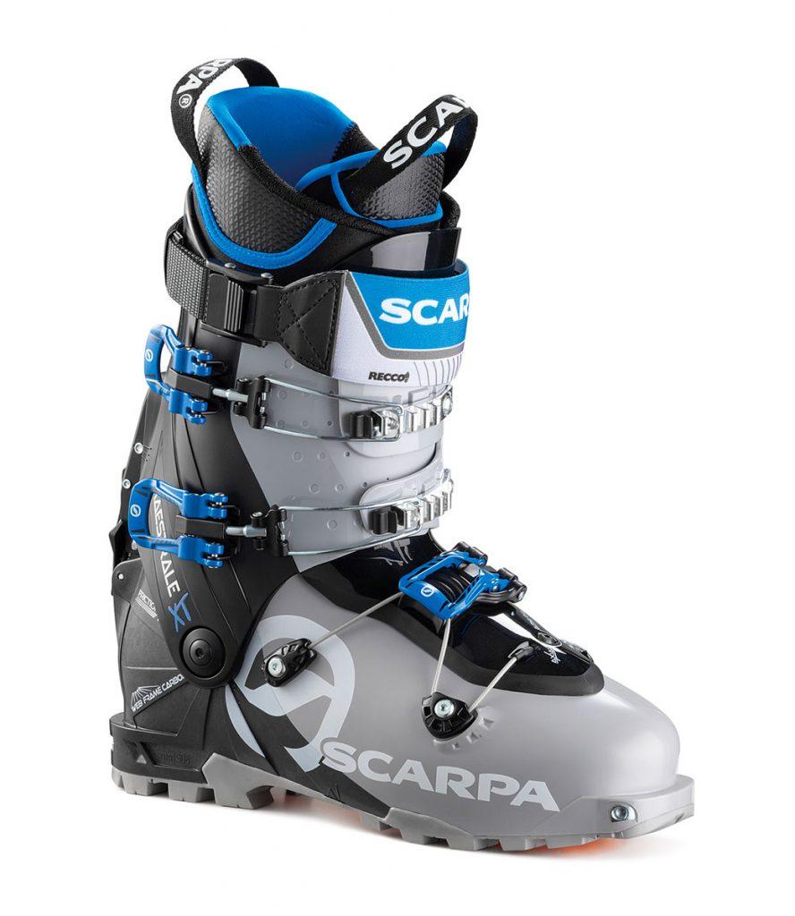 Nuovissimo scarpone da sci alpinismo Maestrale XT: nella vetrina più attesa del mondo dell'outdoor, SCARPA® presenta il nuovo modello Fall Winter 2019/20
