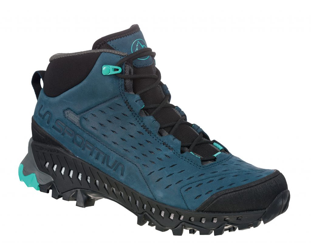 Waterproof Hiking Boots Pyramid GTX Surround by La Sportiva, derive from Mountain Running with Gore-Tex technology and Vibram sole.