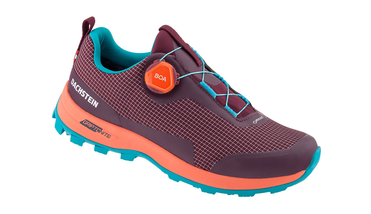 Dachstein has built in the Boa Fit System into the the low-cut model Alpha Boa LC GTX