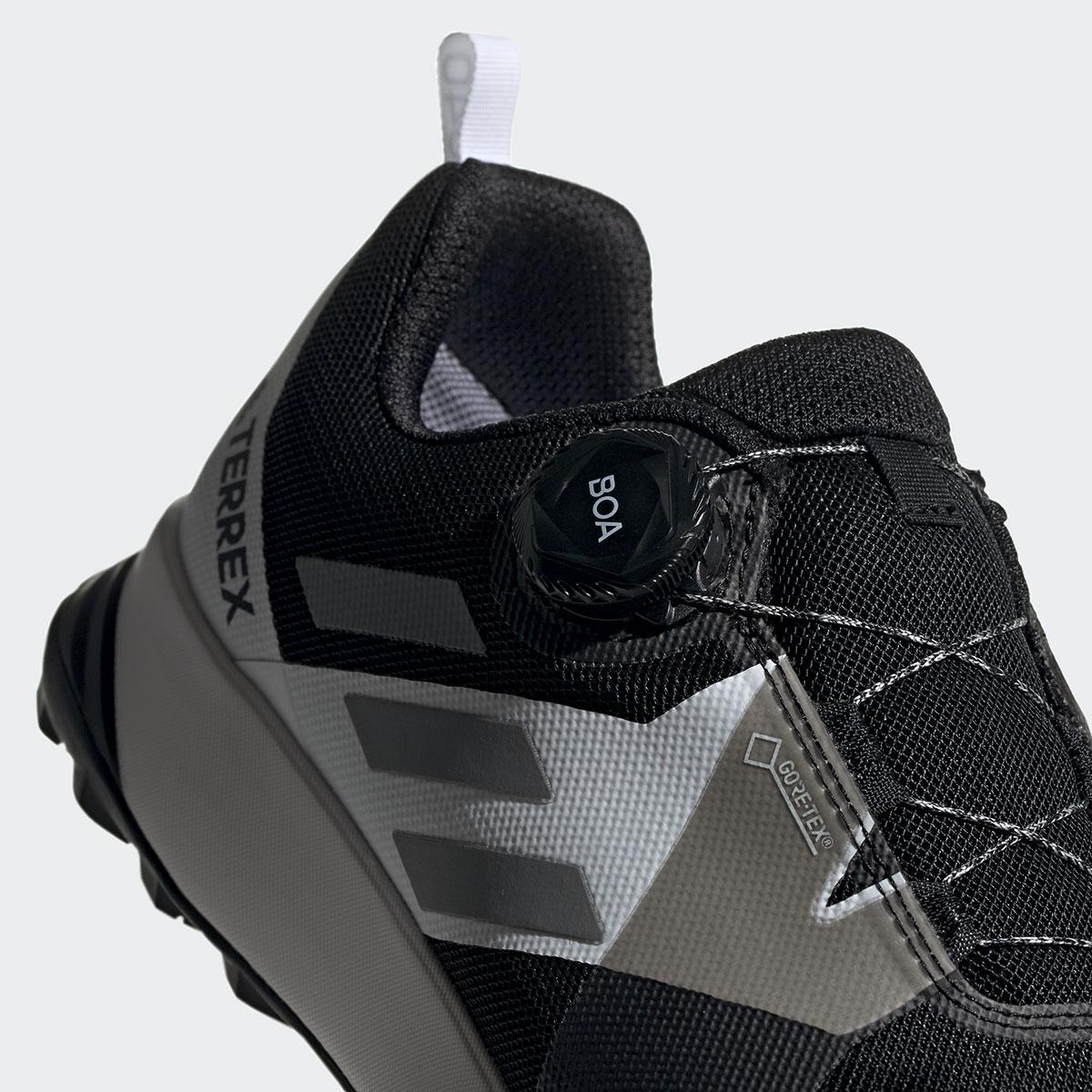 Scarpe adidas goretex Terrex Two Boa con Sistema Boa Fit da trail running. Il Boa Closure System consente di indossare e sfilare le scarpe con facilità