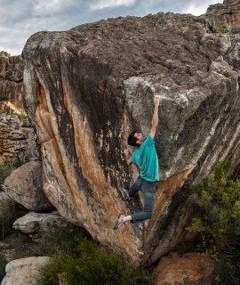 Il Gruppo Oberalp di Bolzano acquisisce il marchio statunitense Evolv specializzato in scarpette da arrampicata.