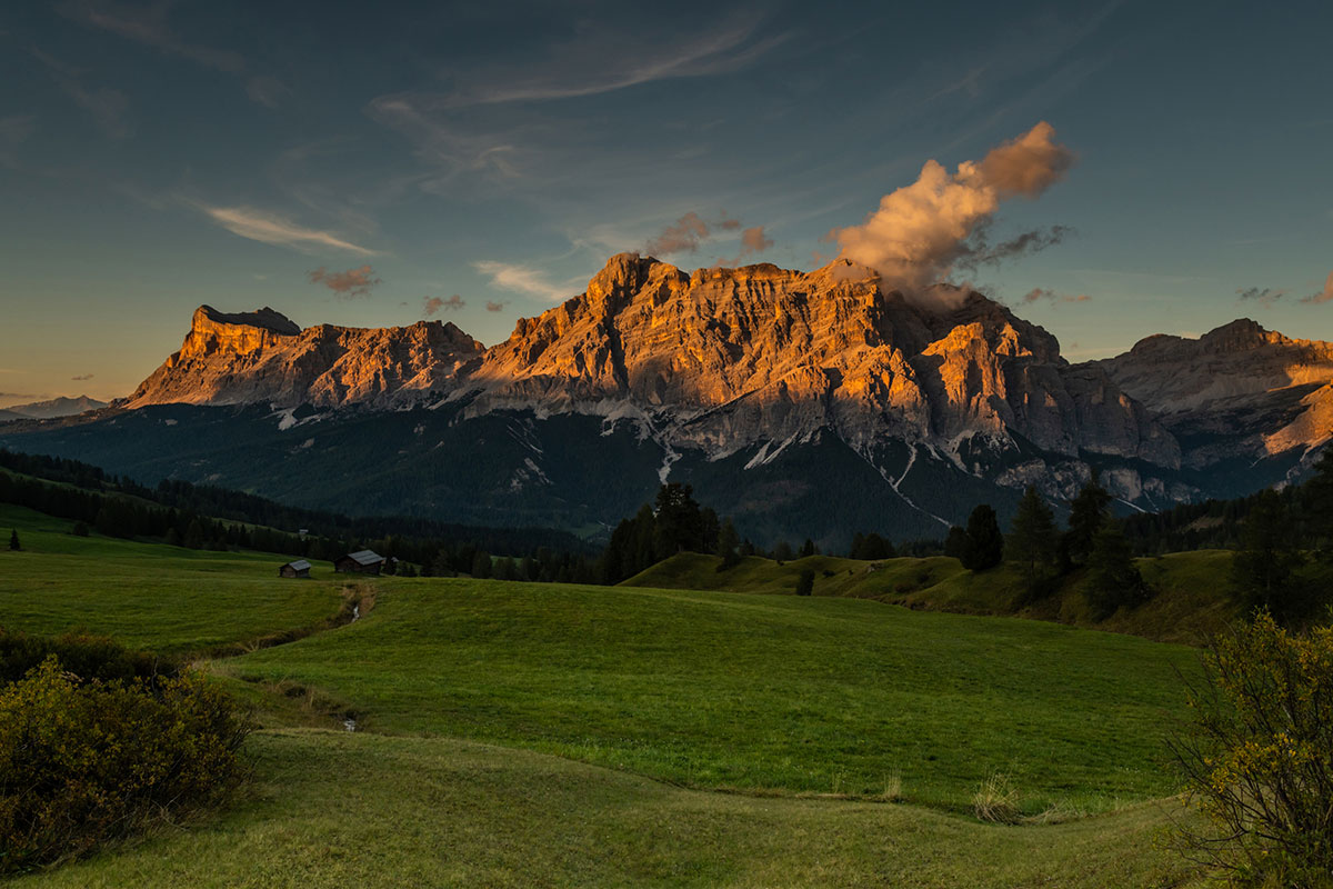 Karpos is official partner of outdoor activities in Alta Badia, Dolomites, an ideal location for Mountain Biking, trekking and rock climbing.