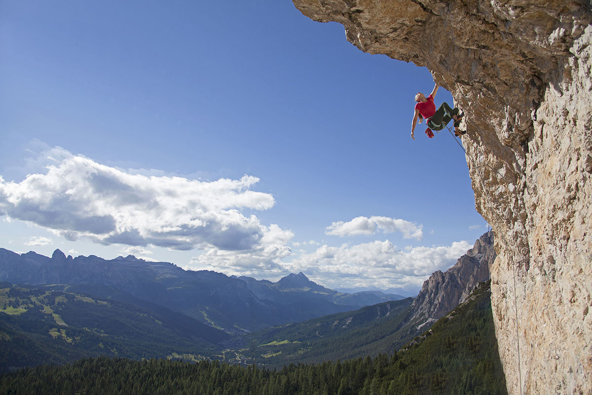 Arrampicata in Alta Badia in Dolomiti con Karpos