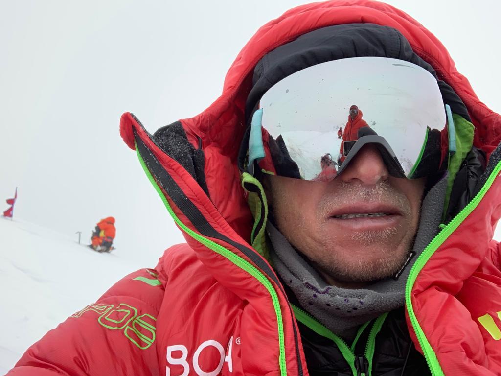 L'alpinista austriaco e pioniere di Boa Max Berger in cima al Broad Peak