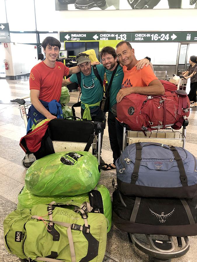 Kondus Valley 2019: Matteo della Bordella, Massimo Faletti, David Hall e Maurizio Giordani in partenza