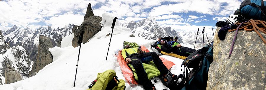 Maurizio Giordani, Matteo della Bordella, Massimo Faletti e David Hall sono da poco rientrati da 17 giorni passati ad arrampicare ed esplorare la Kondus Valley in Pakistan, sotto i giganti del Karakorum.