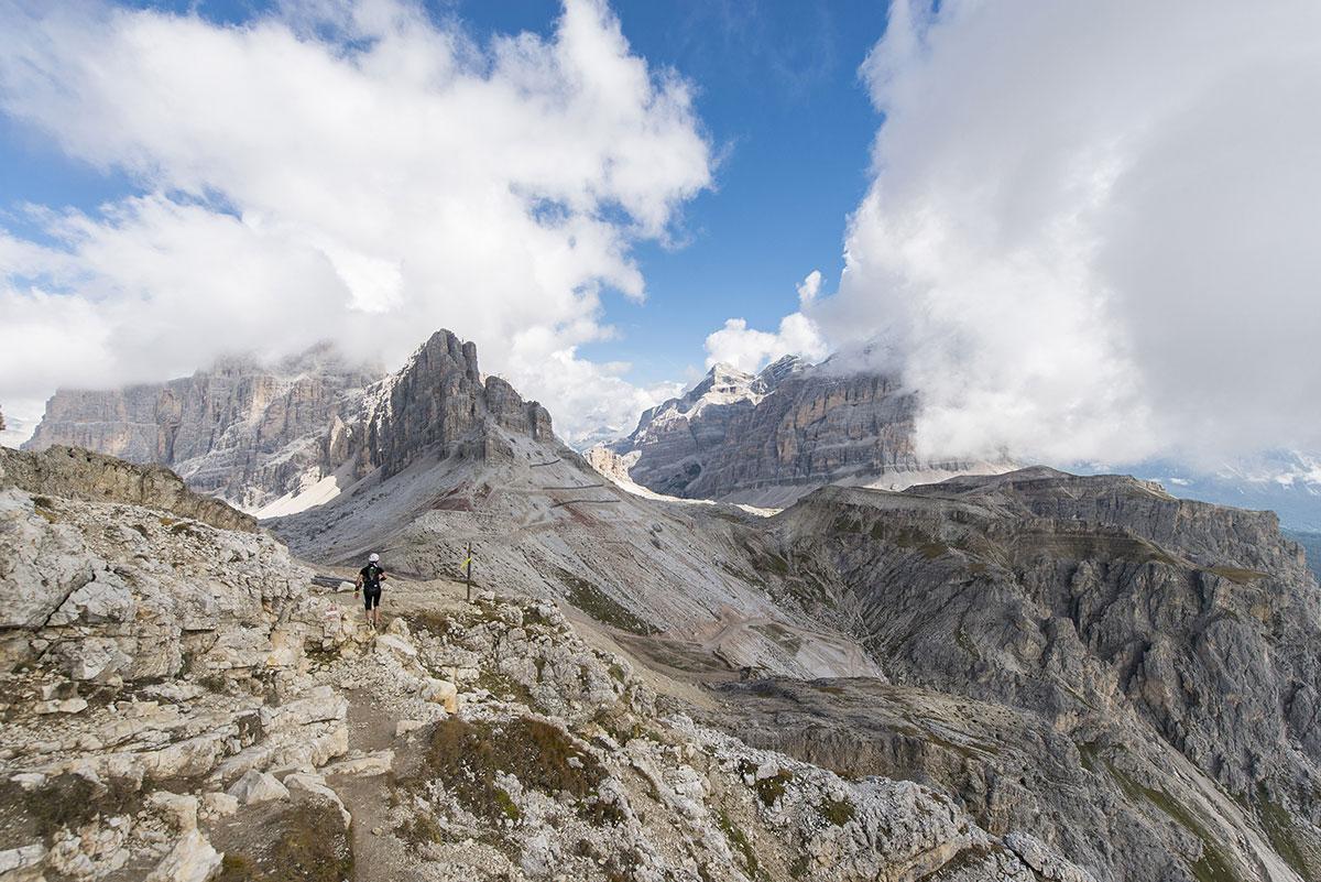 Karpos è main sponsor di Delicious Trail Dolomiti, una corsa in montagna che si snoda tra Pocol, Croda Da Lago, 5 Torri, Nuvolau, Lagazuoi e Passo Falzarego e attraversa i musei all'aperto del più esteso museo della Grande Guerra combattuta in alta quota nelle Dolomiti.