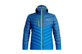 Piumino Salewa per l'alpinismo sportivo che abbina il calore del piumino alle dimensioni ridotte.