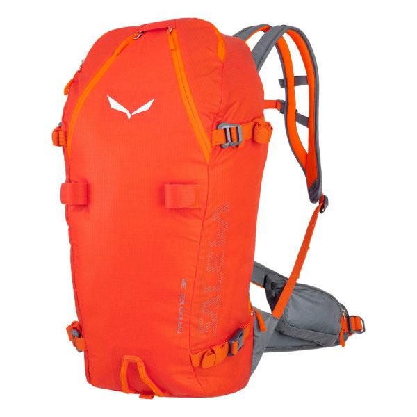 Zaino Salewa Randonnée da 32 litri, ibrido, tecnico e versatile, con un peso di 995 grammi, pensato per alpinismo invernale e lo scialpinismo