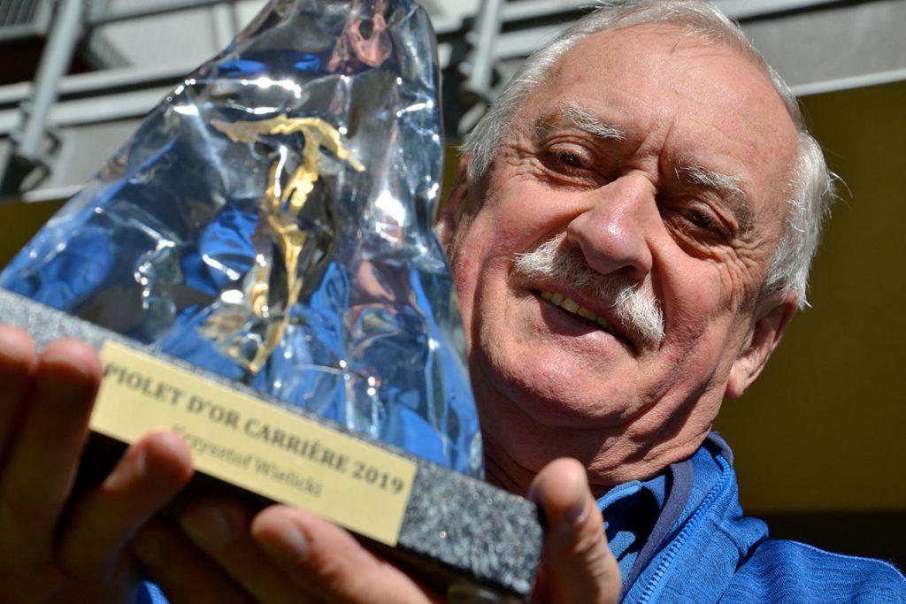 Piolet d'Or alla carriera per l'alpinista polacco Krzysztof Wielicki, da anni amico di Ferrino per le sue spedizioni in Himalaya.