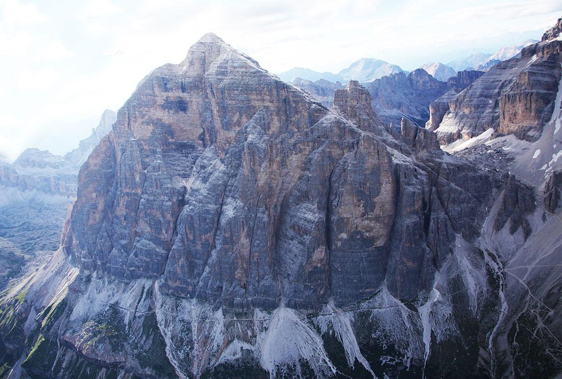 La Tofana di Rozes in Dolomiti, immortalata da Manrico Dell'Agnola