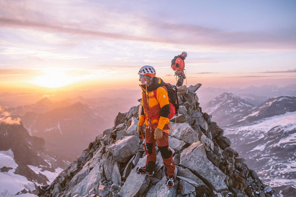 The North Face rivoluziona le aspettative del mercato outdoor con il lancio dei capi FUTURELIGHT. Il nuovo materiale proprietario aumenta sensibilmente la traspirabilità e le prestazioni dei capi impermeabili proposti dal brand