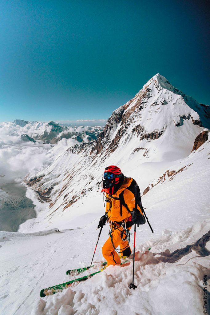 l 30 settembre del 2018 Hilaree Nelson e Jim Morrison hanno effettuato la prima discesa integrale con gli sci del Lhotse (8516m).