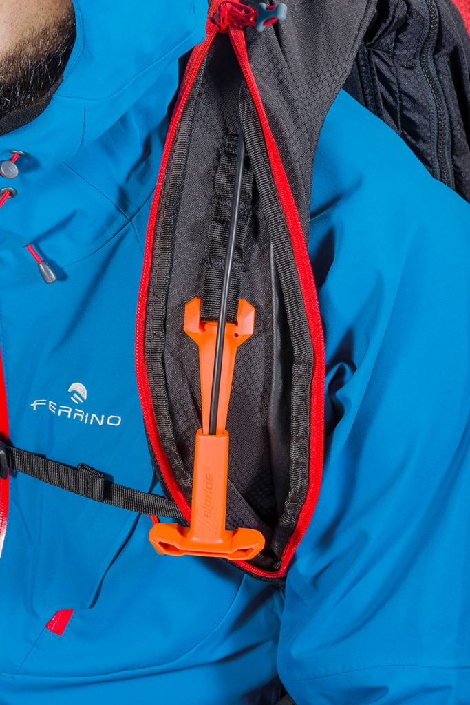 Avalanche airbag pack Ferrino Full Safe 30 + 5 for skiing equipped with 3 safety devices: Airbag Alpride E1, AIR SAFE respirator and RECCO reflector.