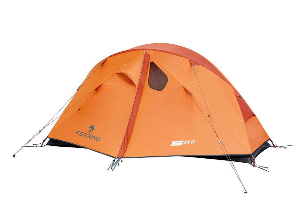 Lightweight 4 season tent for trekking and mountaineering. Easy and quick to assemble, not bulky in the backpack, it weighs less than 2 kg.