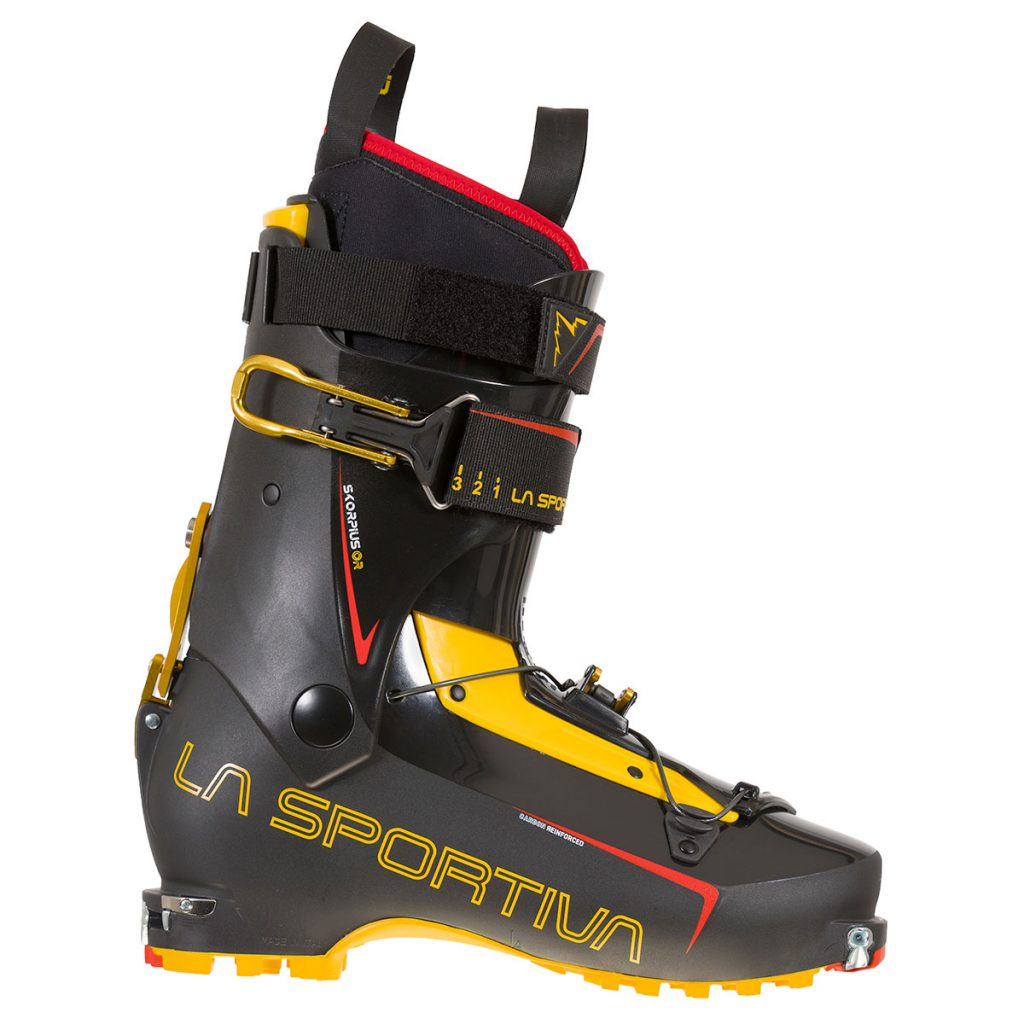 Skorpius CR are two hook Ski mountaineering boots designed to satisfy the most demanding Ski-mountaineer