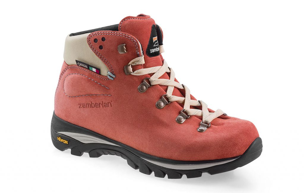 Particularly light backpacking boot for women Frida GTX by Zamberlan with exceptional comfort for long hikes with Vibram sole and Goretex waterproof lining.
